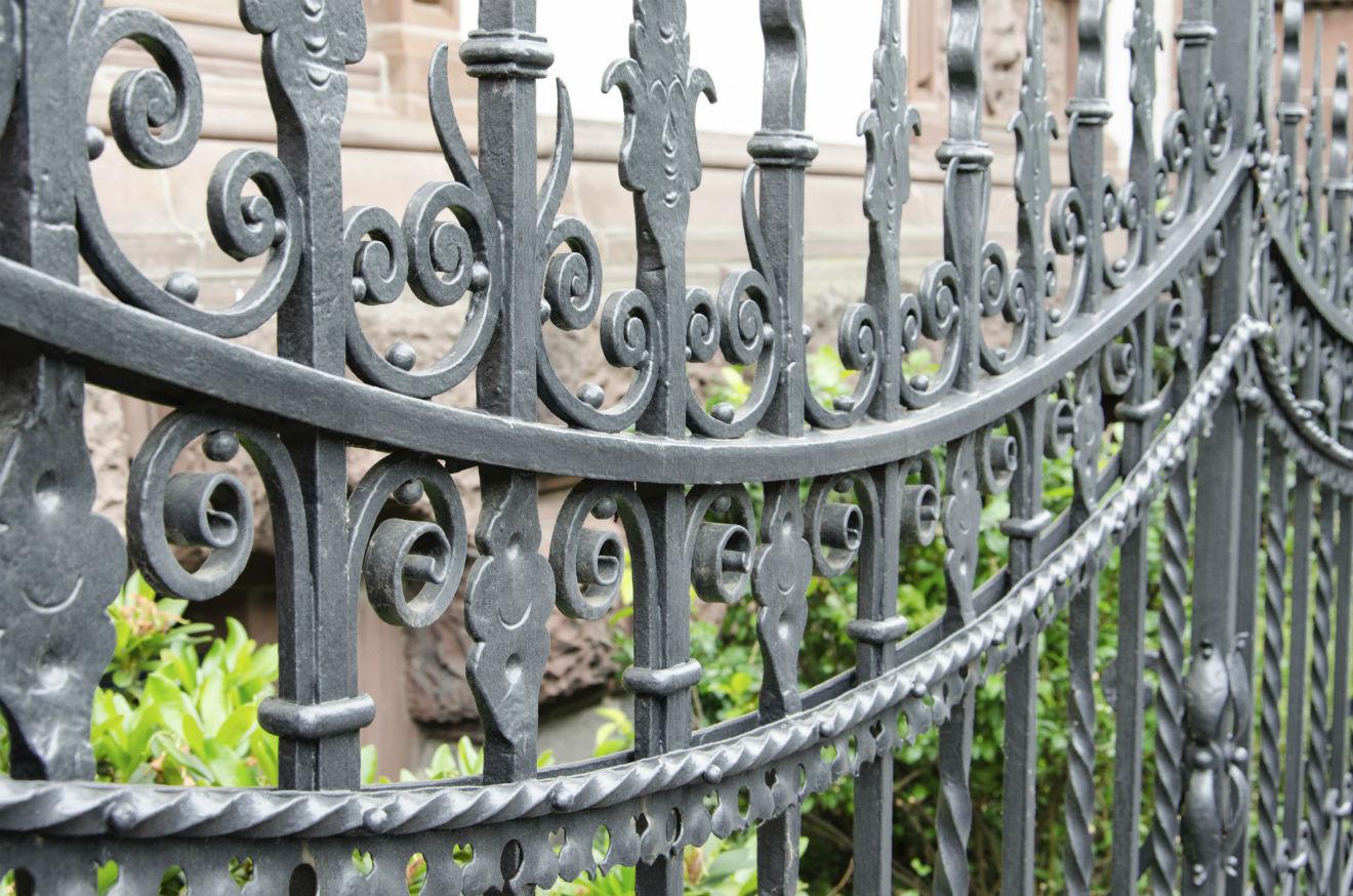 Чугунный кованый забор