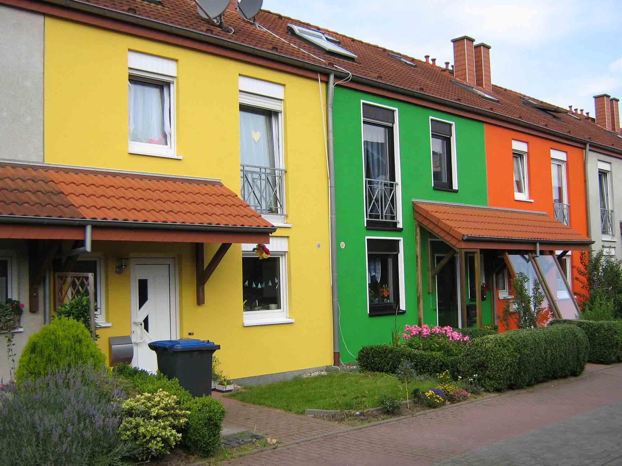 Яркие фасады дома