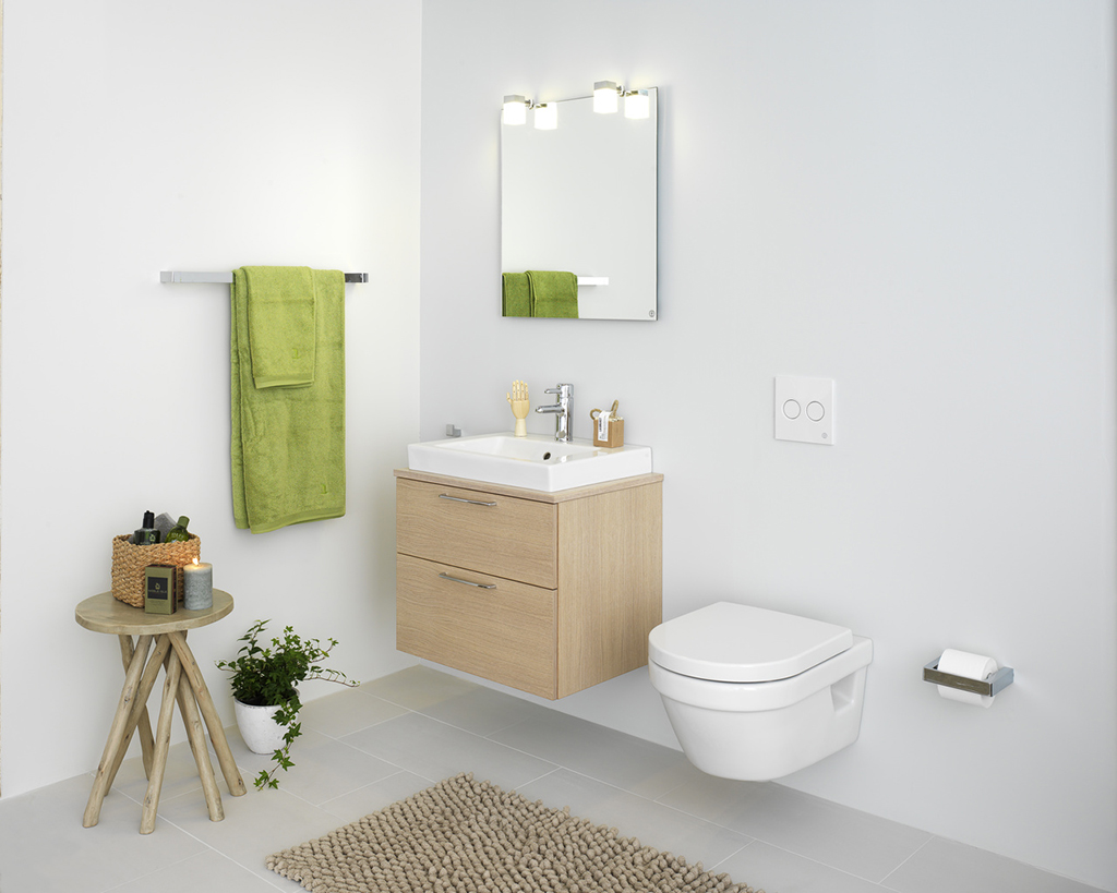 Подвесной унитаз с инсталляцией в ванной