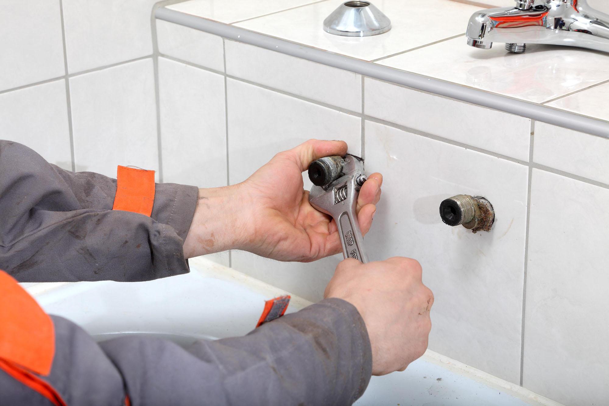 Подготовка к установке смесителя в ванную