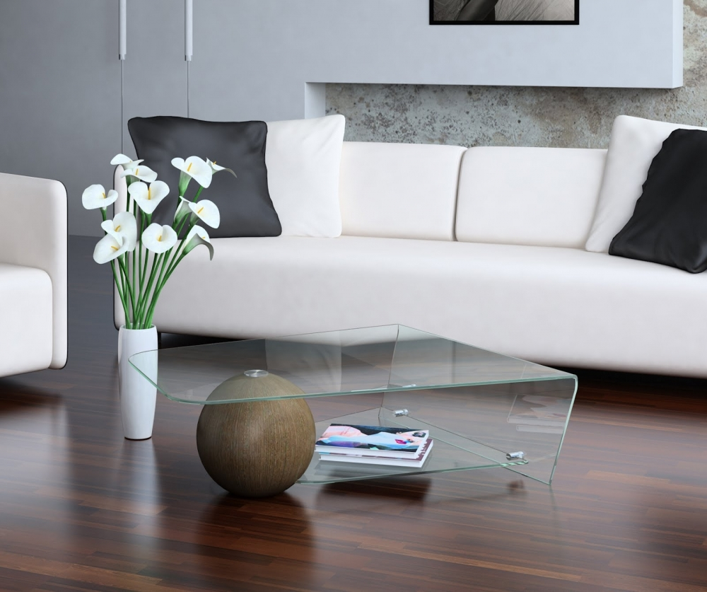 Необычный стеклянный кофейный столик