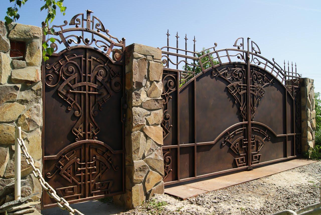 Необычные кованые ворота