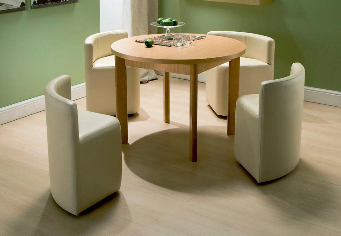 Обеденный стол и стулья для маленькой кухни