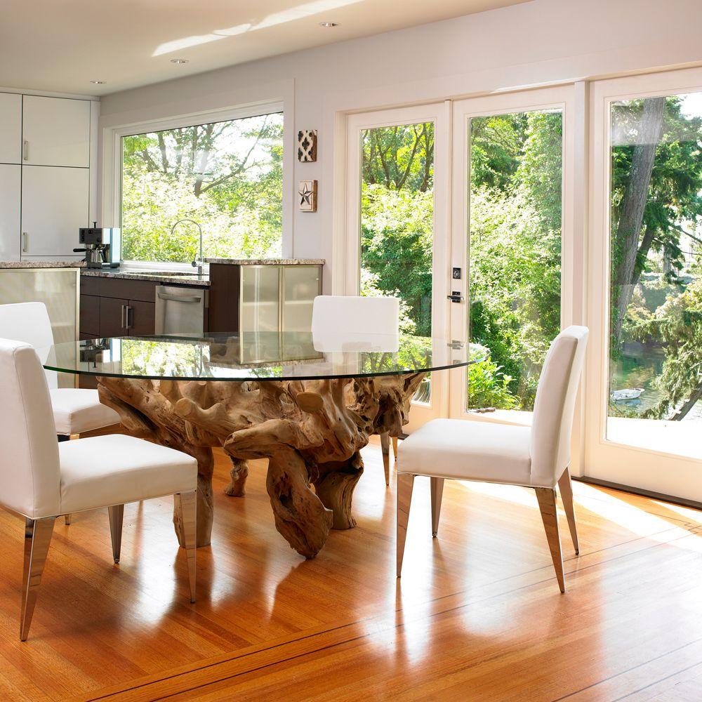 Стол из коряги и стекла в интерьере