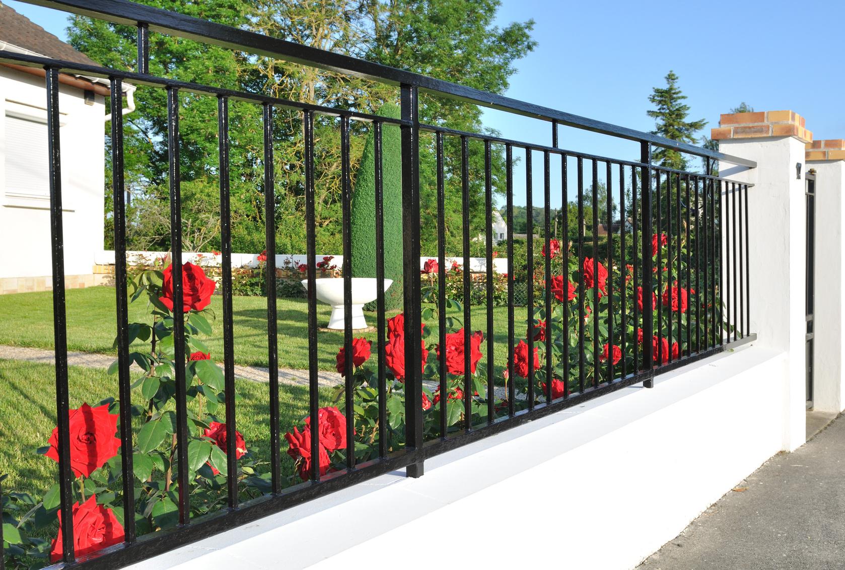 Стальной кованый забор