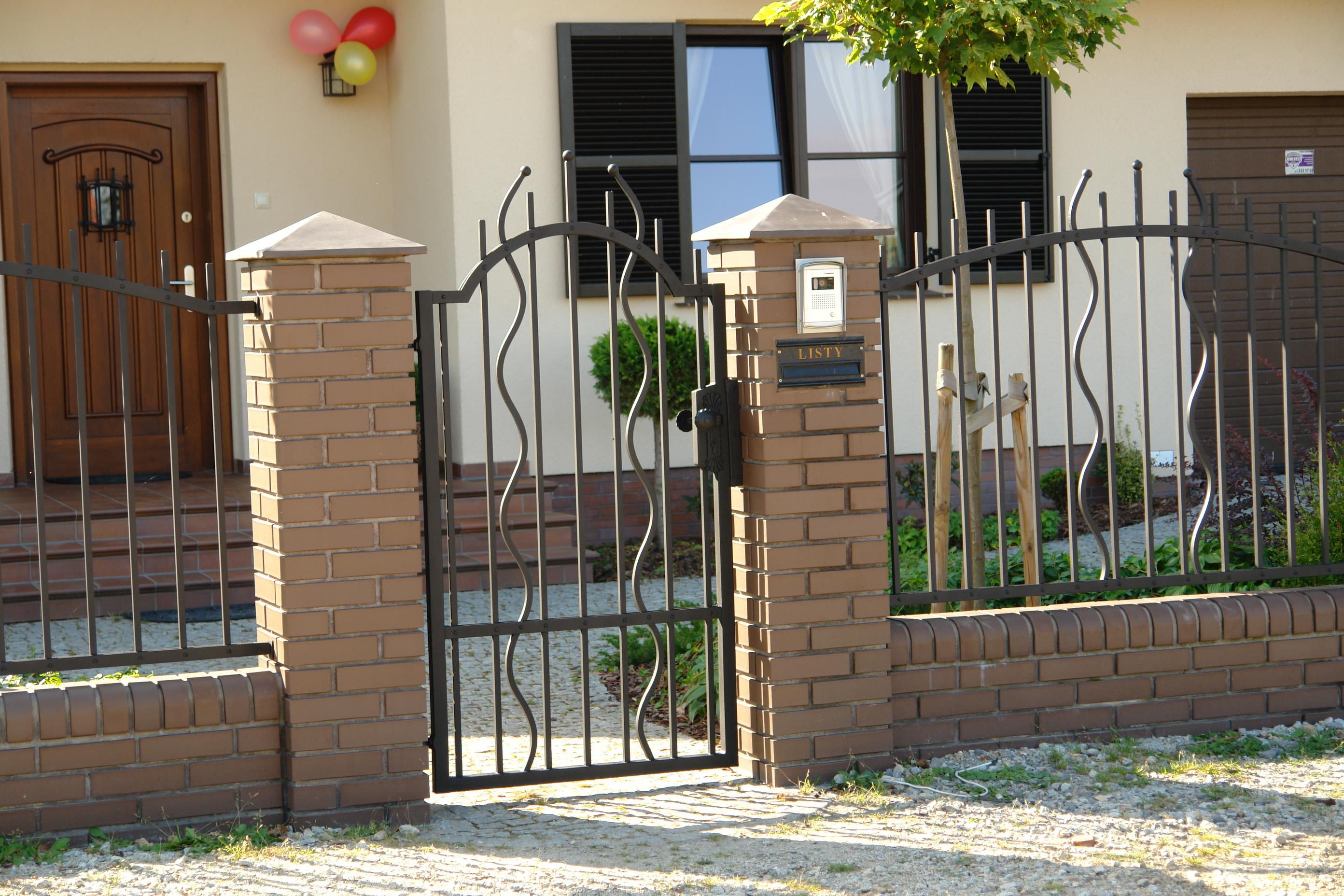 Трубчатый кованый забор