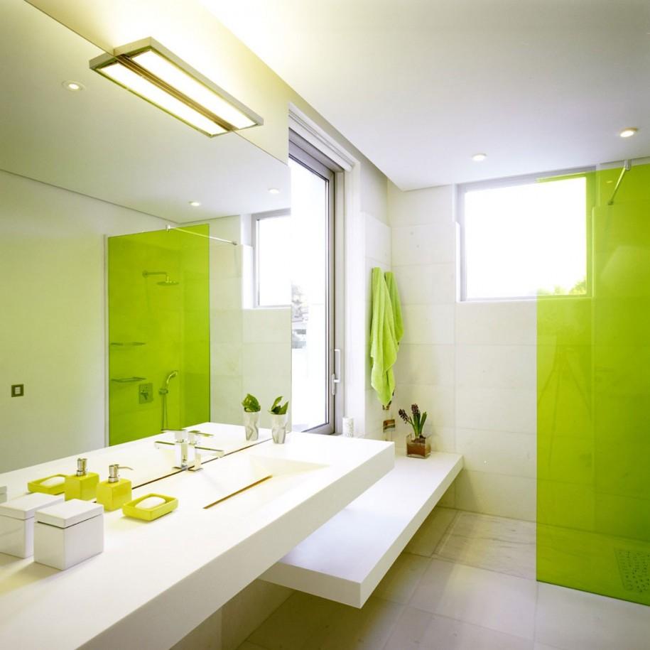 Бело-салатовая ванная комната