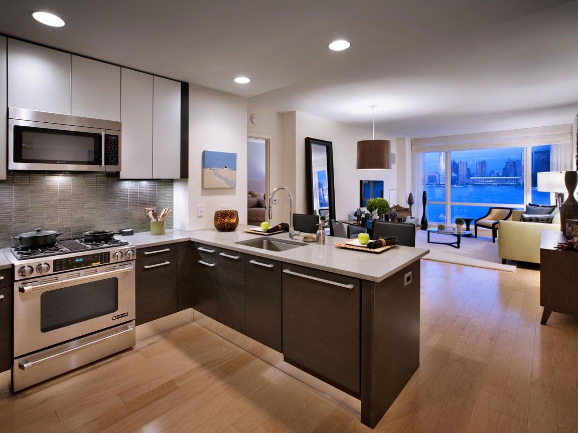 Кухня-гостиная с полуостровом