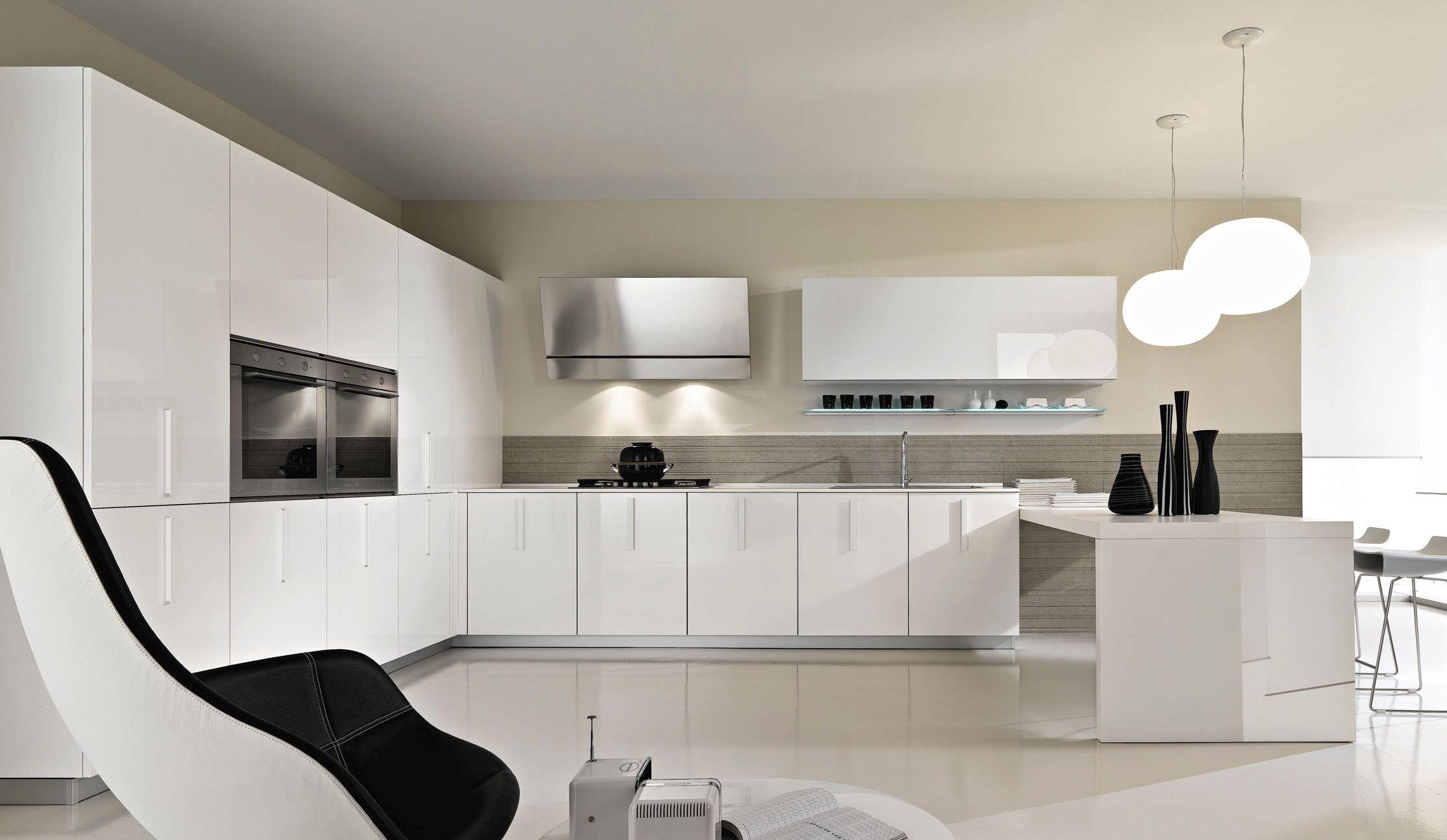 Подсветка кухонного гарнитура белого