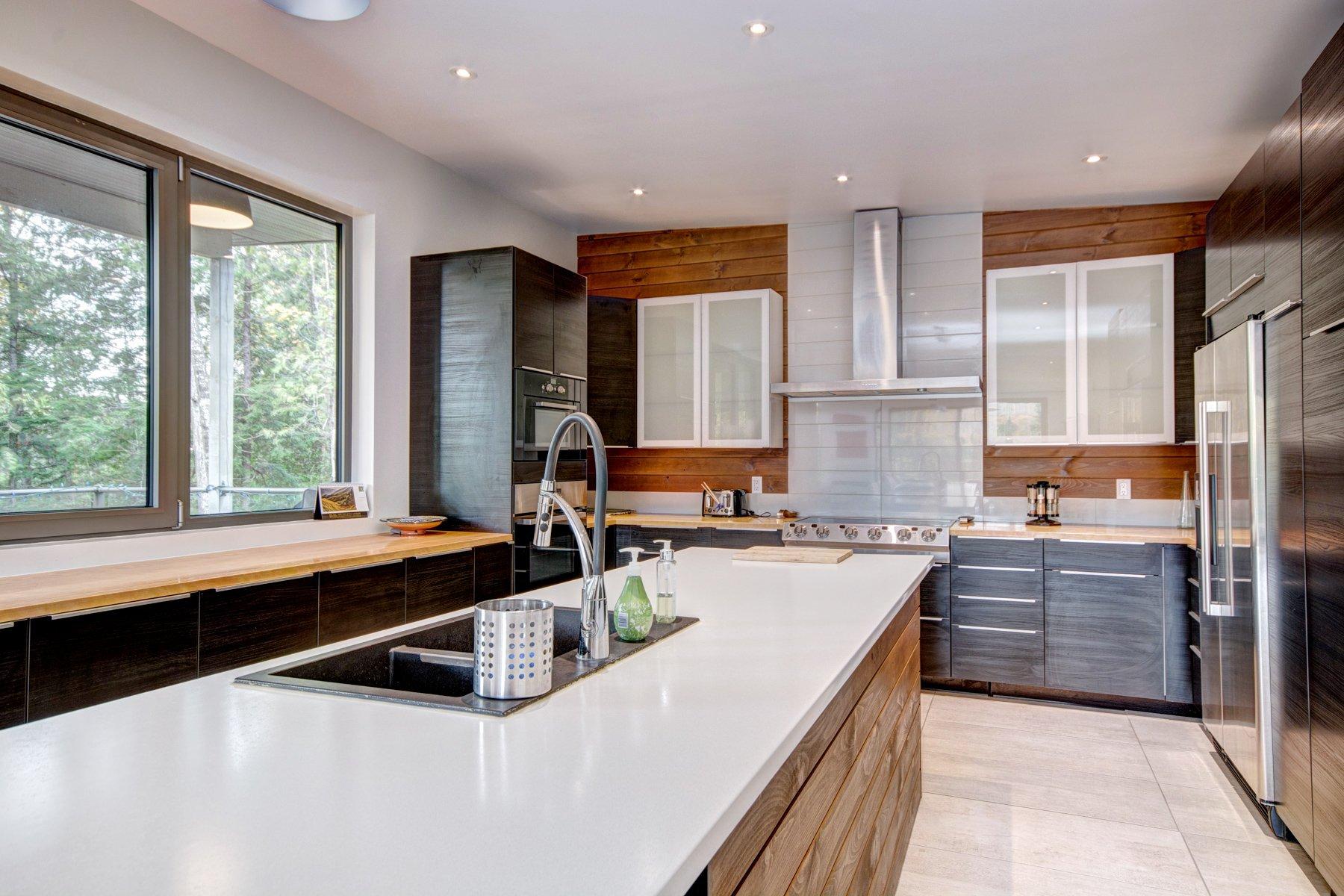 Подсветка кухонного гарнитура в доме