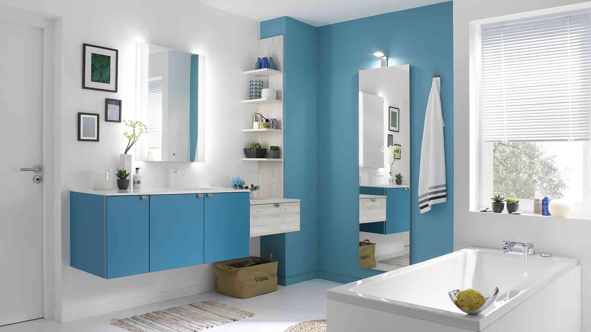Шкафчик для ванной голубой