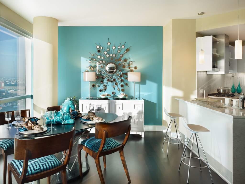 Крашеные стены в кухне