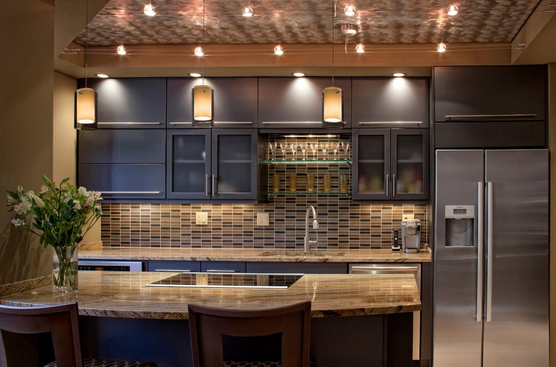 Подсветка кухонного гарнитура комбинированная