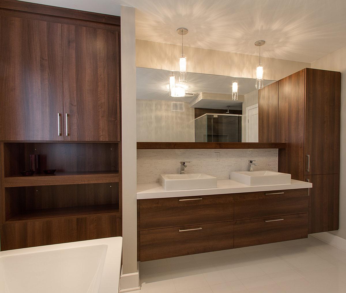 Шкафчик для ванной в нише