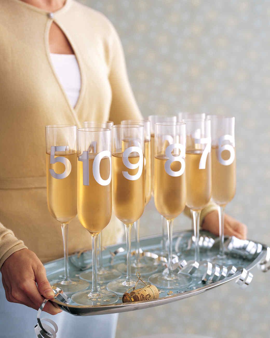 Оригинальная подача новогоднего шампанского
