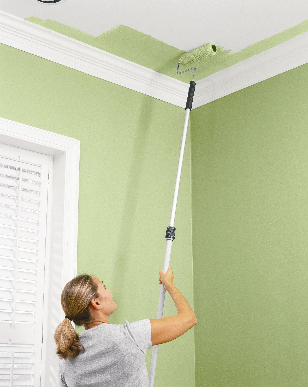Покраска потолка в зеленый цвет