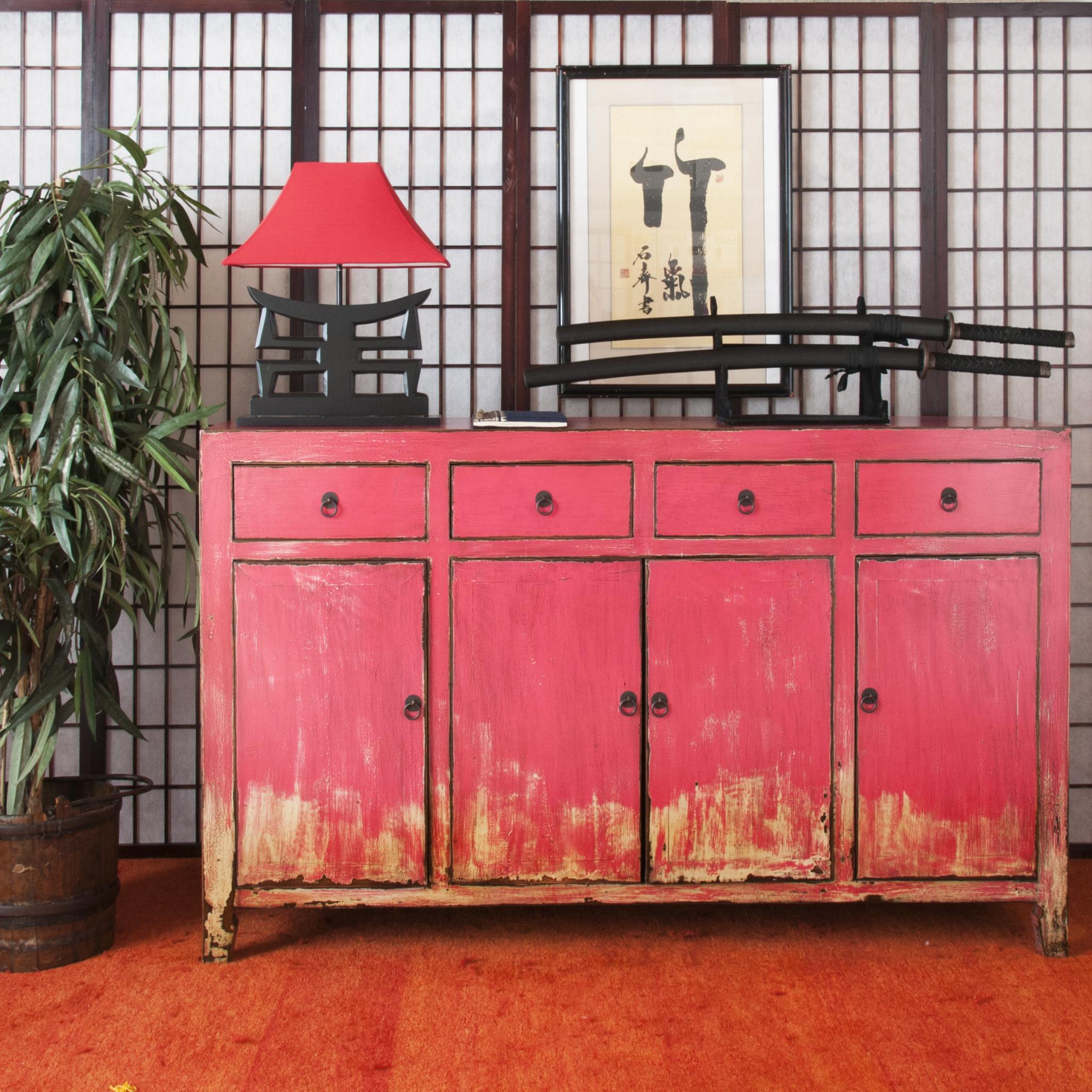 Сервант в гостиную розовый