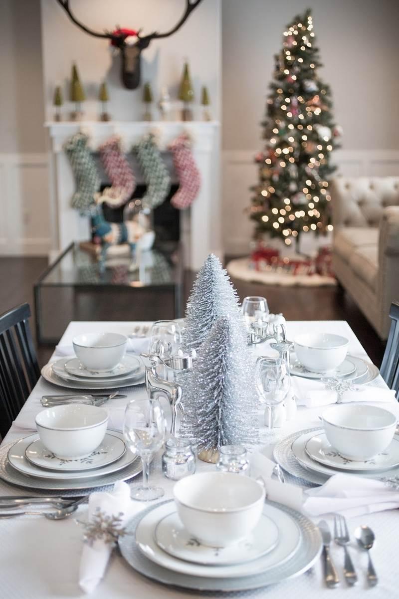 Украшение новогоднего стола 2018 серебряное