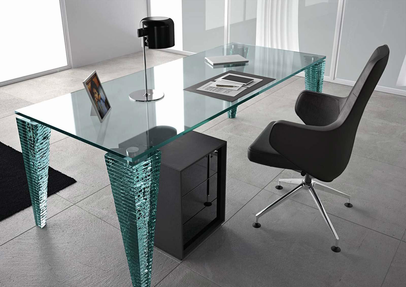 Стильный стеклянный рабочий стол