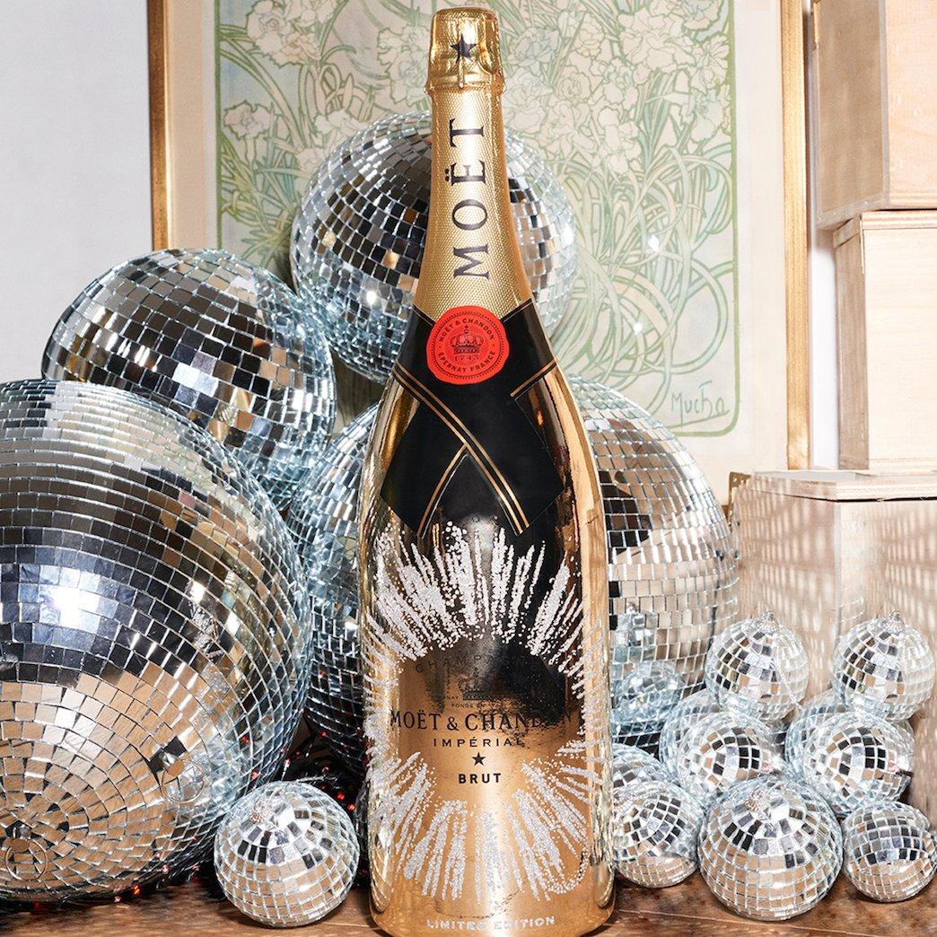 Новогодний декор бутылки шампанского узором