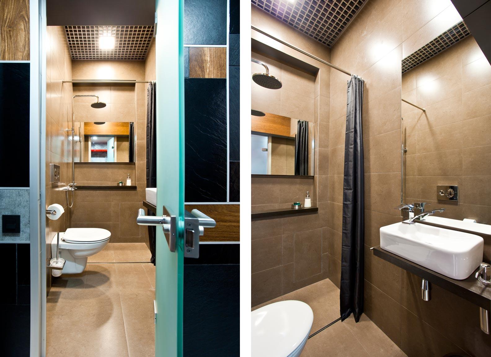 Коричневая узкая ванная комната