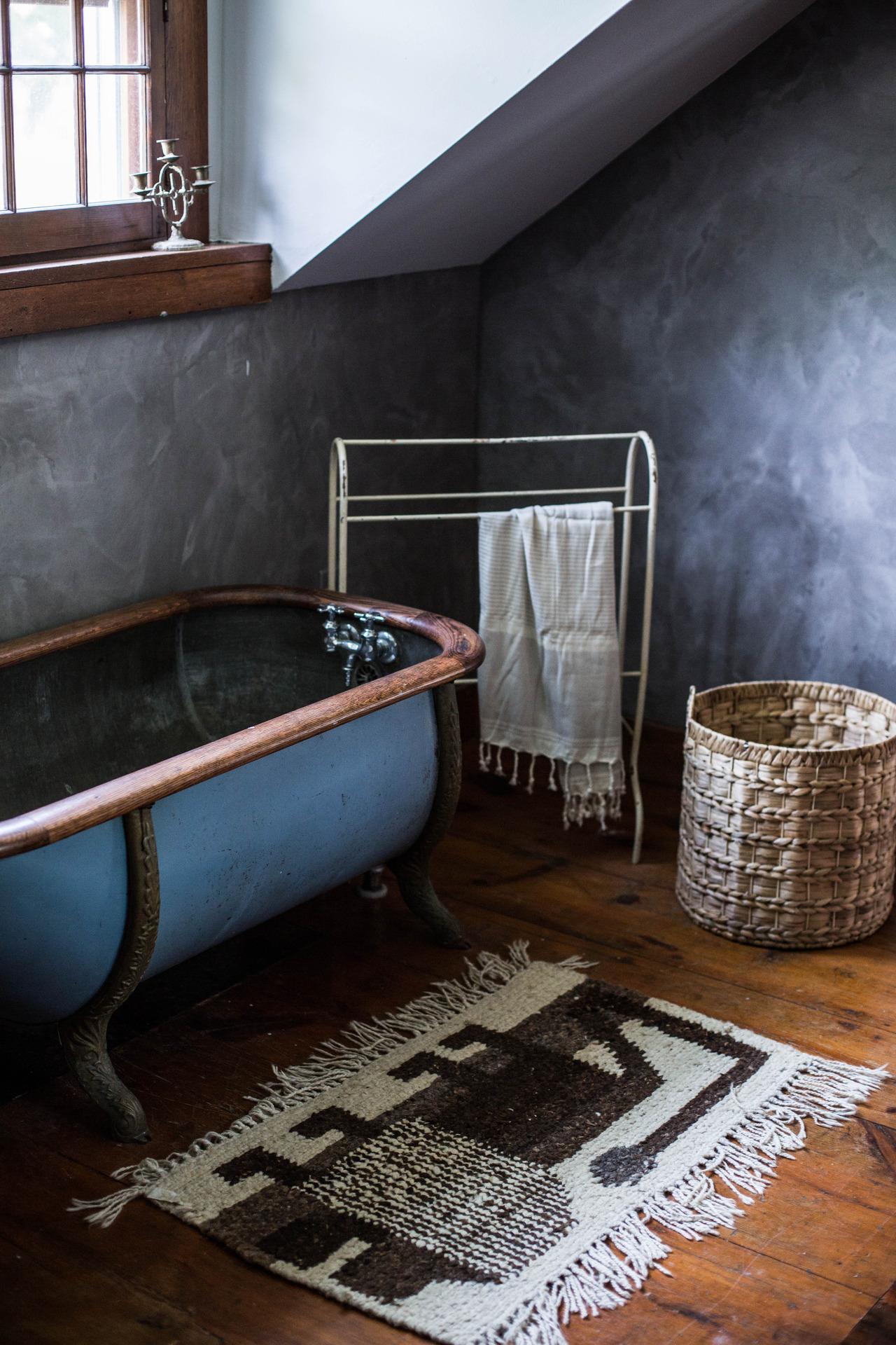 """""""Фактурные"""" стены в ванной комнате"""