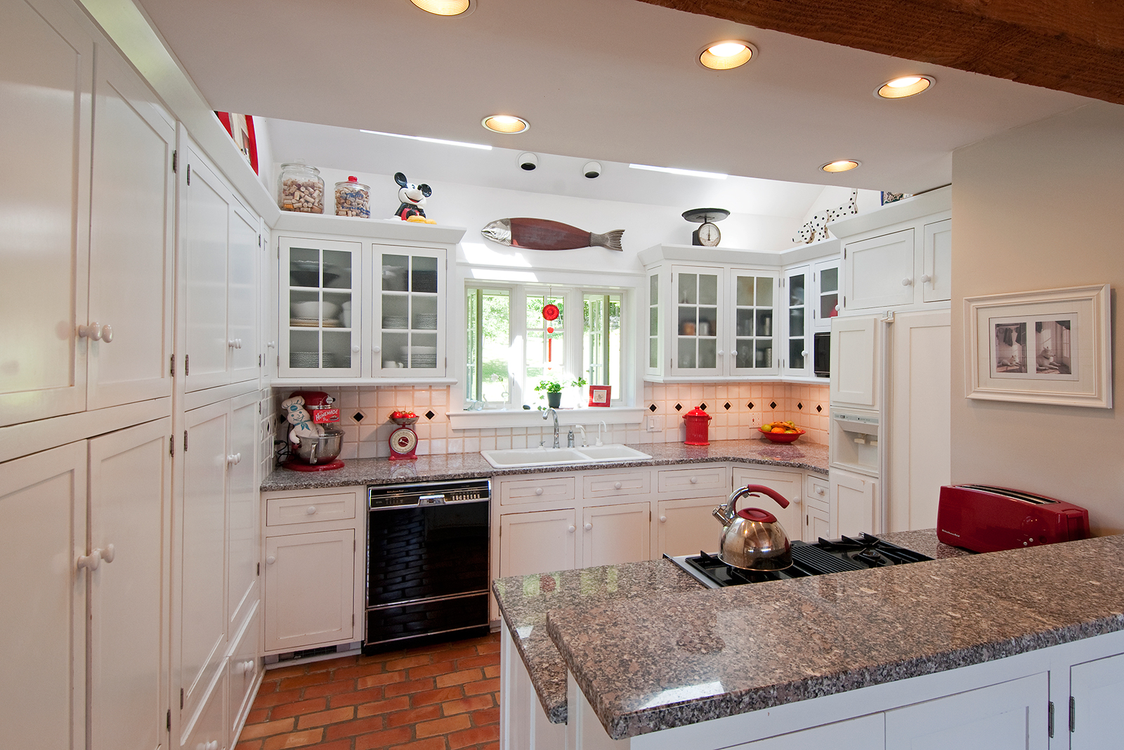 Подсветка кухонного гарнитура встроенная
