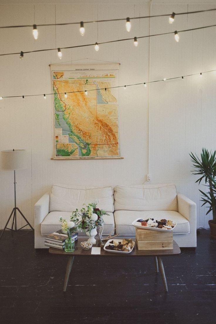 Гирлянды в Интерьере Комнаты на Стене и Другие Варианты Декорирования Дома