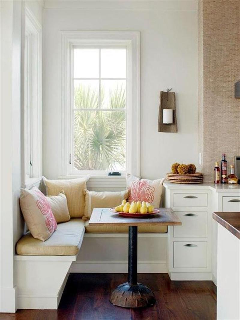 Мягкий подоконник на маленькой кухне