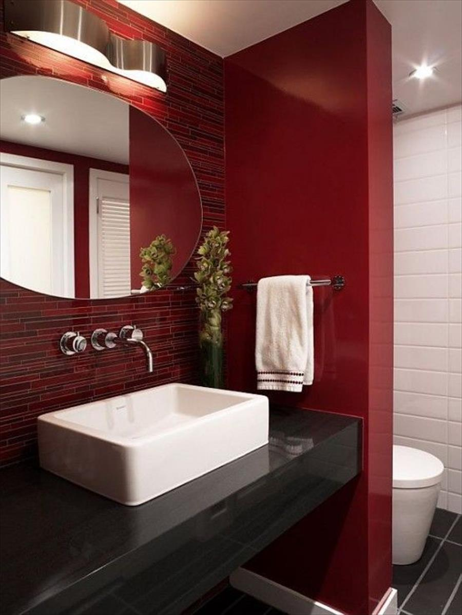 Бордовая ванная