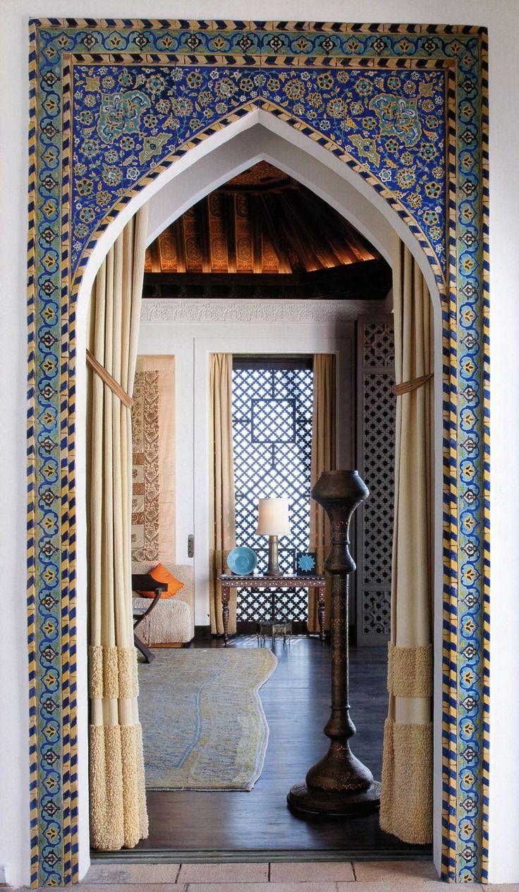 Плитка вокруг дверного проема