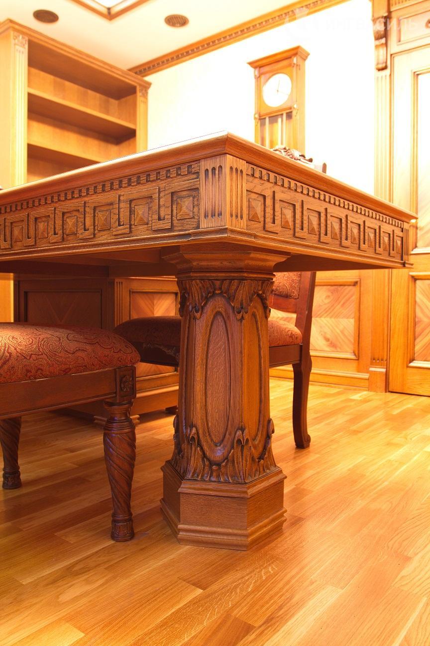 Дубовый стол