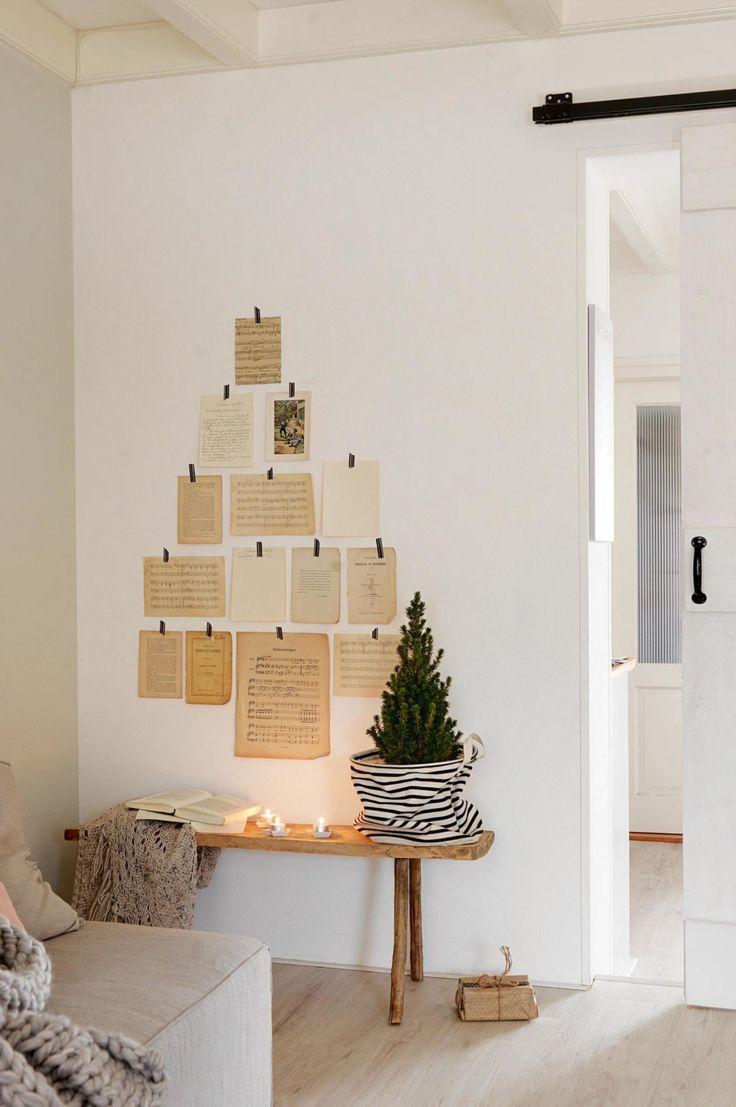 Декор из бумаги на стене