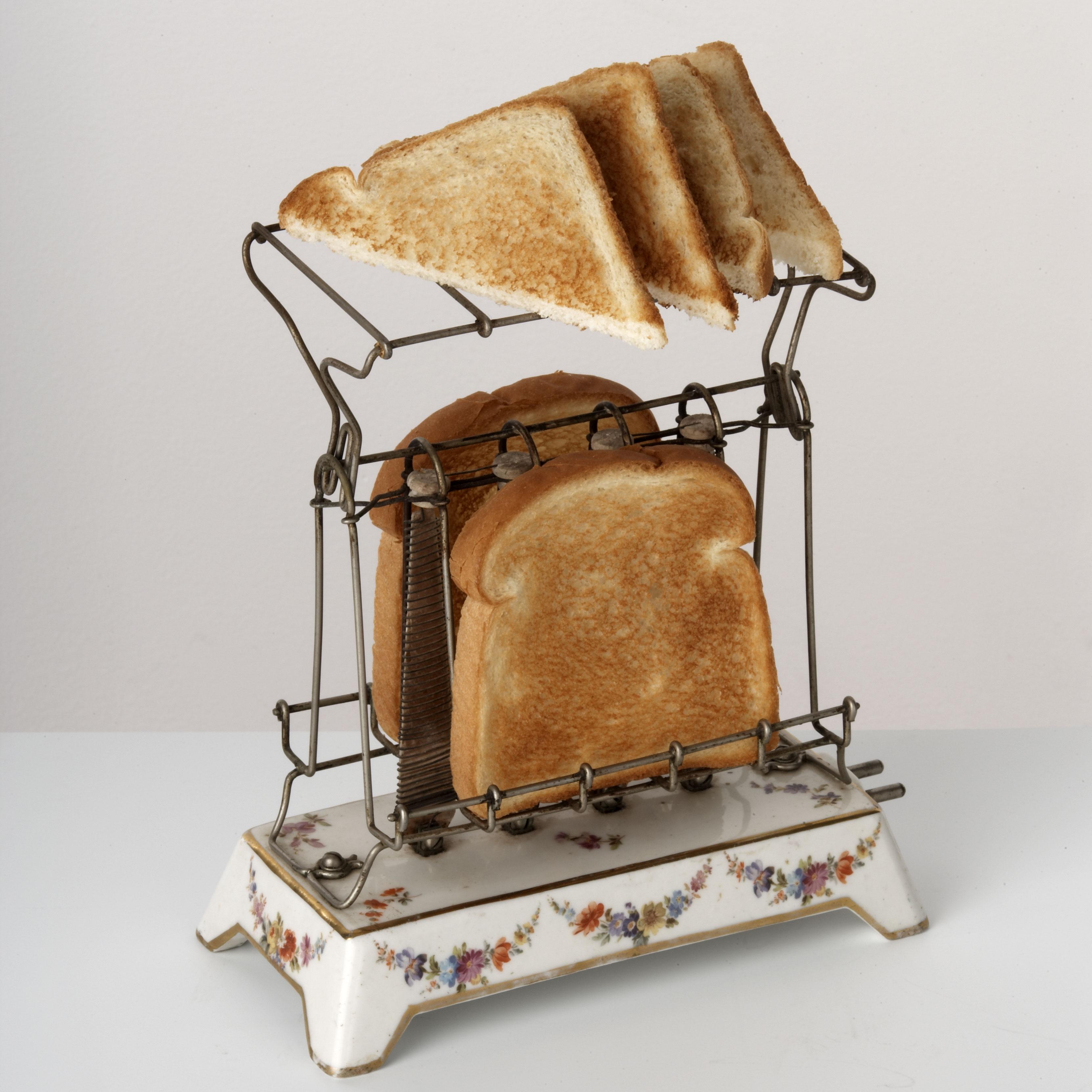 Первые в мире тостеры выглядели так