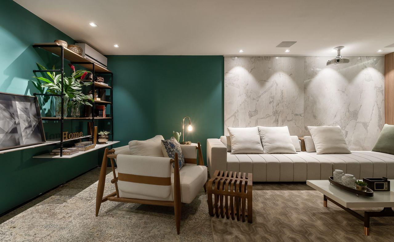 Дизайн бирюзовой гостиной с белым