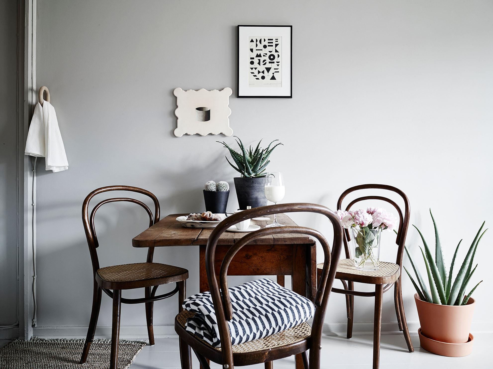 Венские стулья в интерьере – неумирающая классика (33 фото)