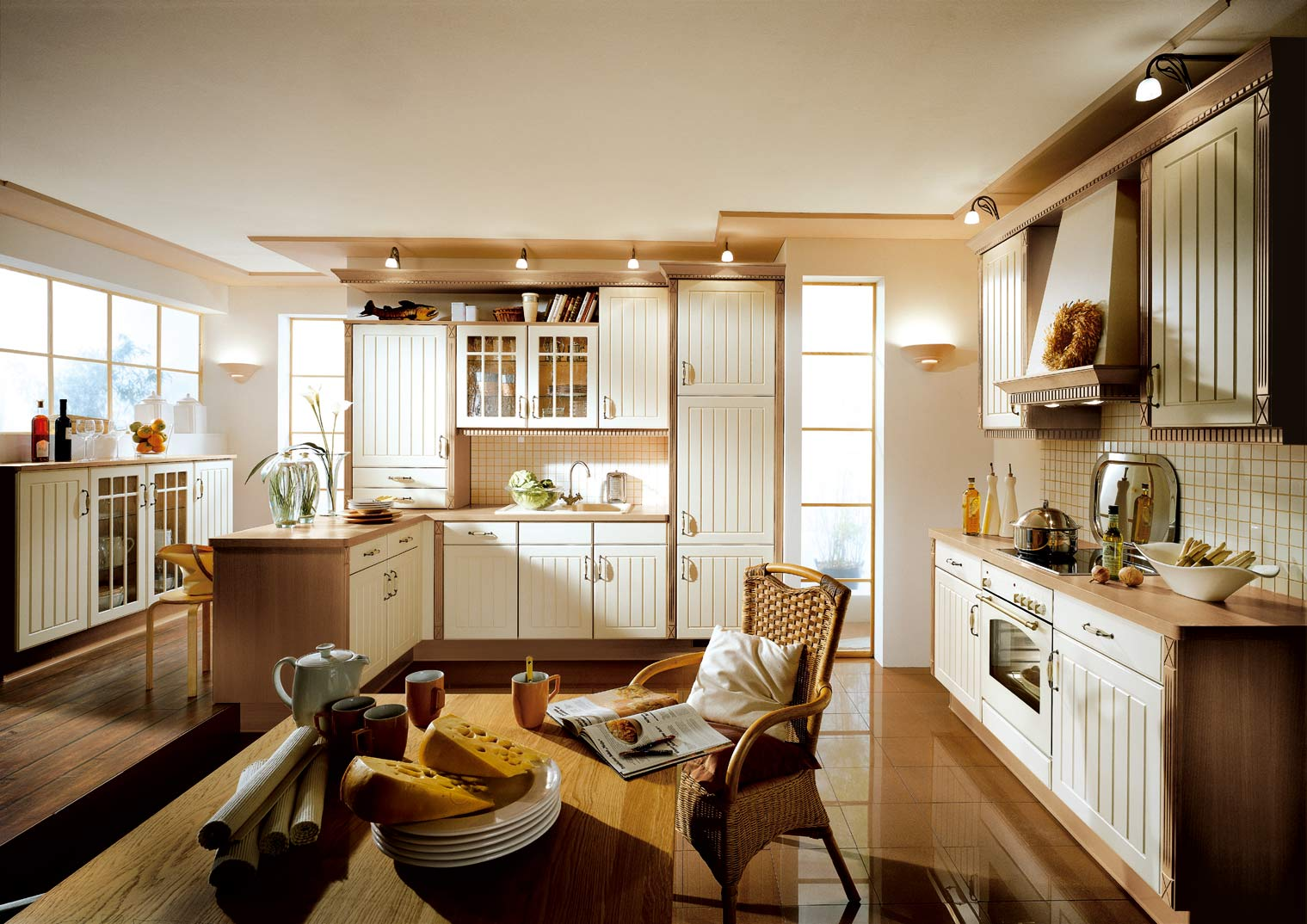Кухня цвета ванили во французском стиле