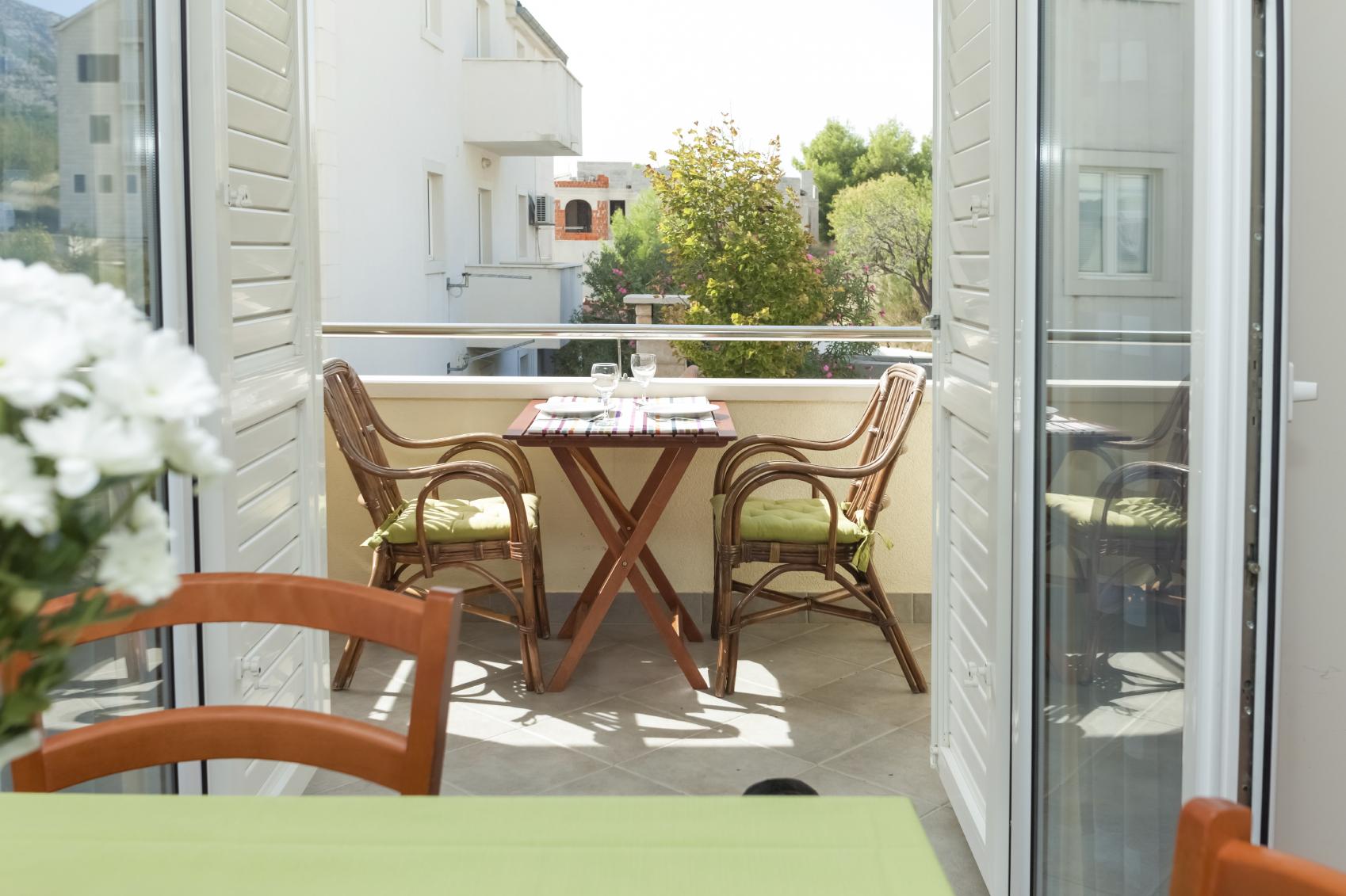 Обустройство балкона: интересные идеи (29 фото)