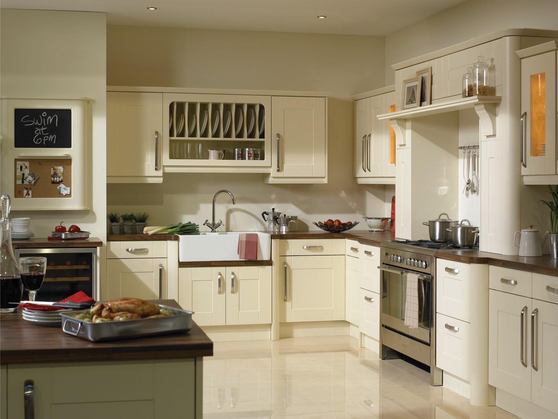 Кухня цвета ванили ламинированная