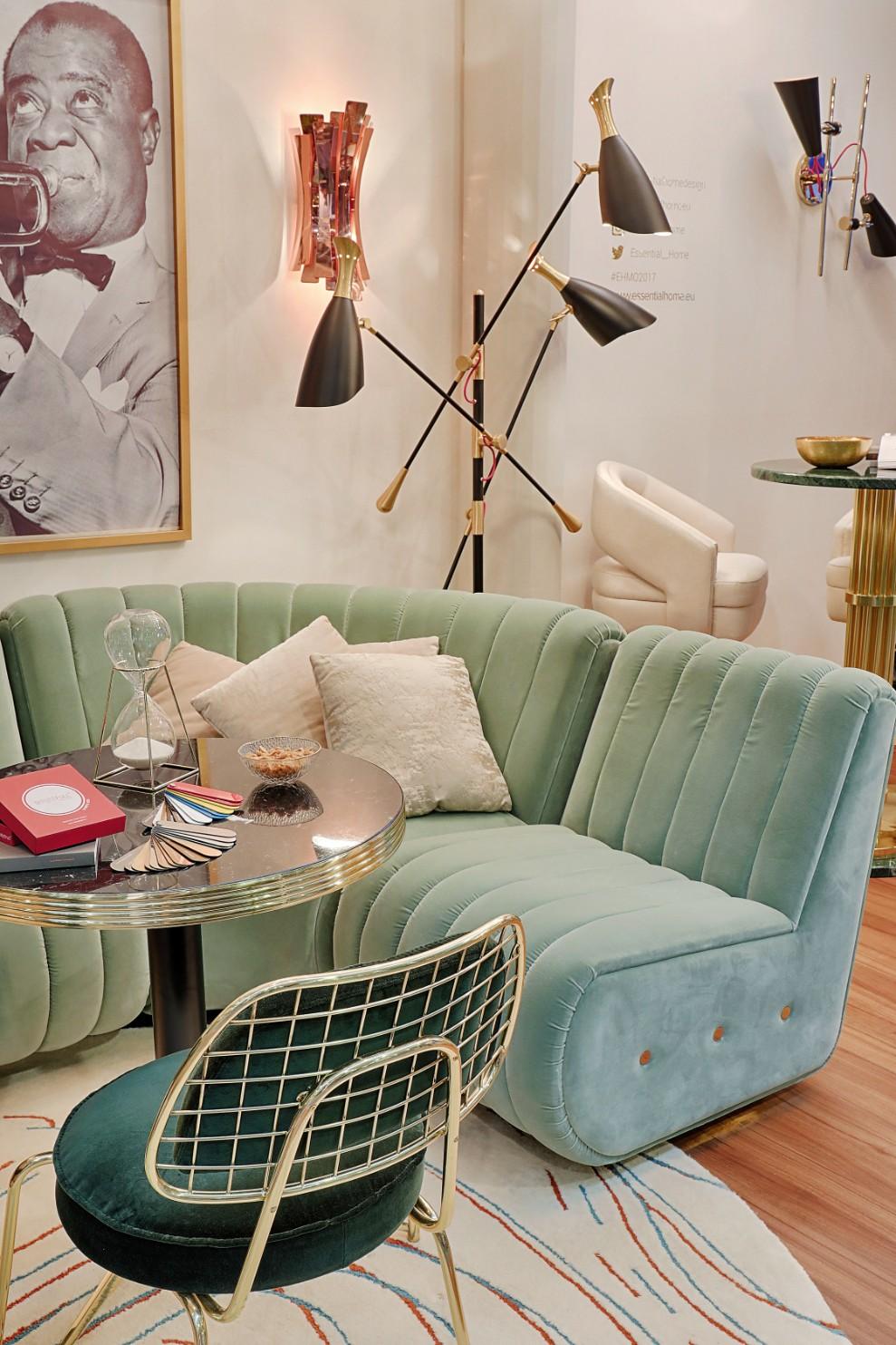Дизайн бирюзовой гостиной с металлической мебелью