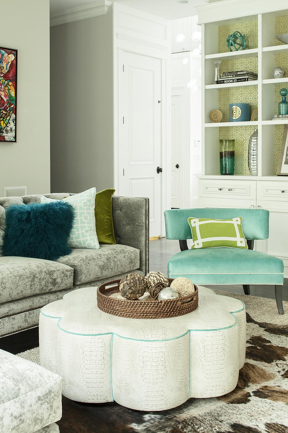 Дизайн гостиной с бирюзовыми оттенками