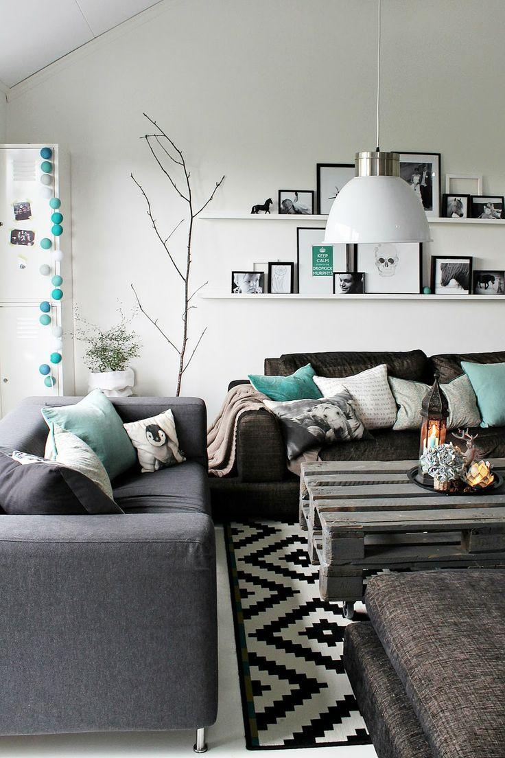 Дизайн бирюзовой гостиной в скандинавском стиле