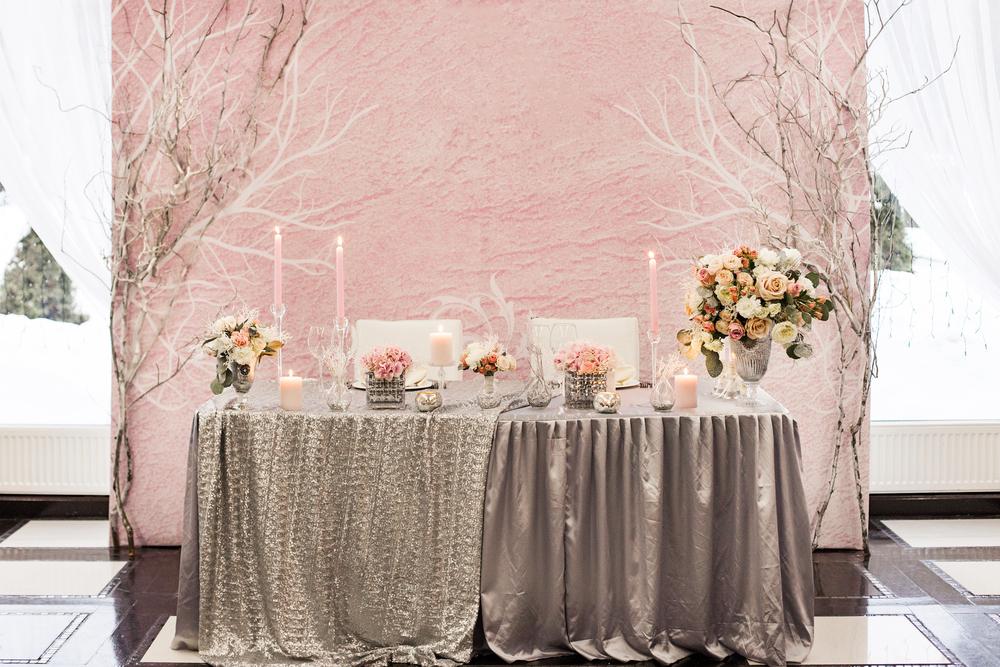Сервировка стола жениха и невесты