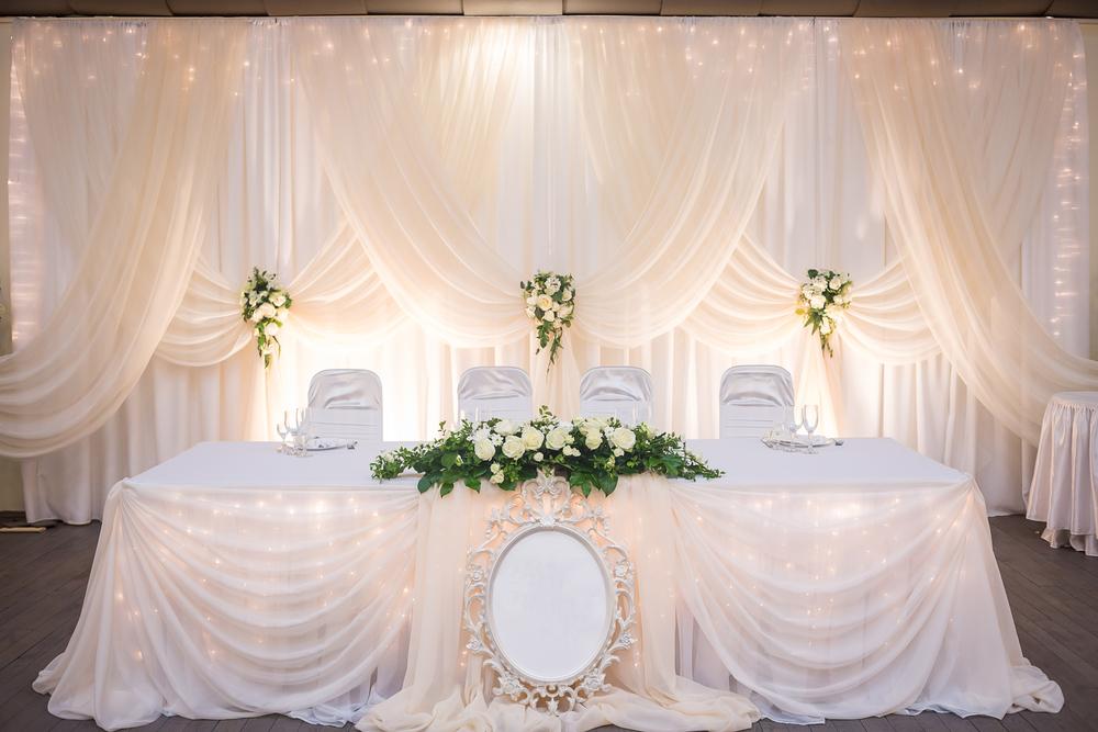 Подсветка свадебного стола