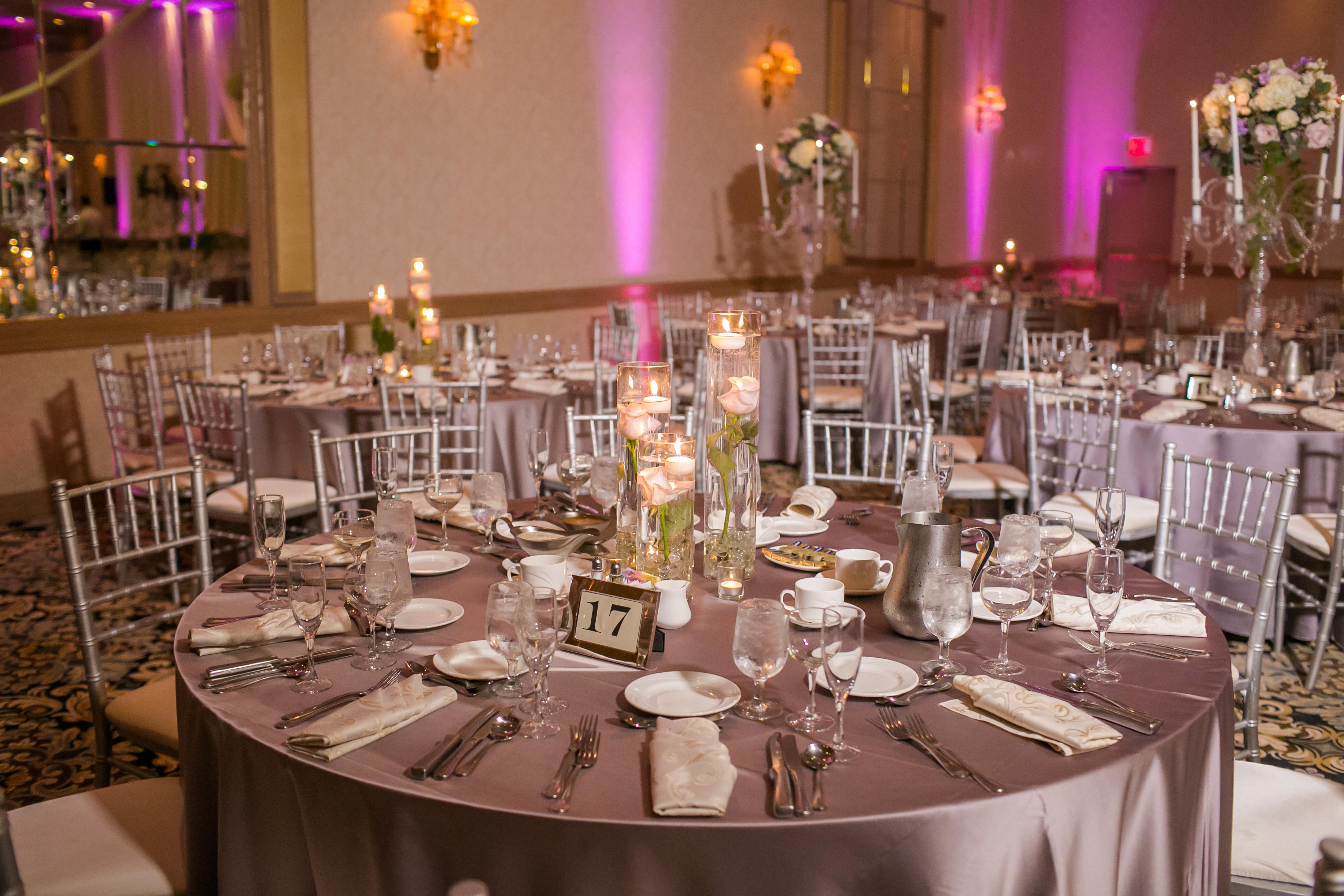 Оформление свадебного стола гостей