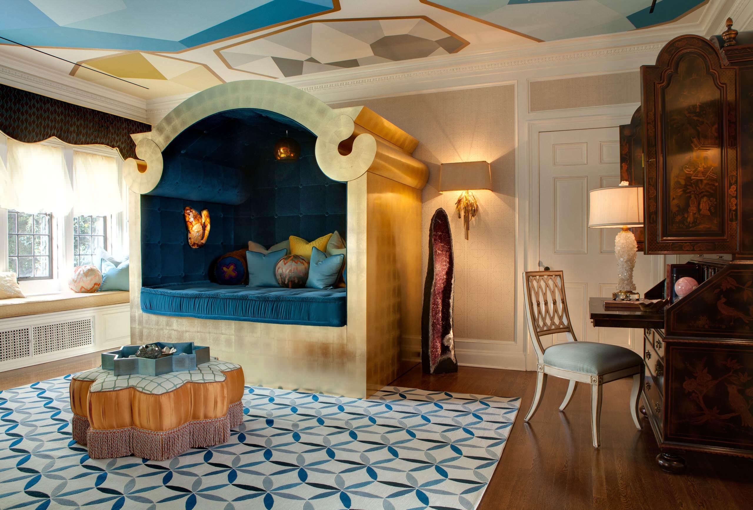 Дизайн бирюзовой гостиной в восточном стиле