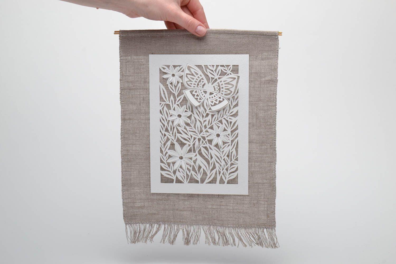 Панно декоративное из бумаги ажурное