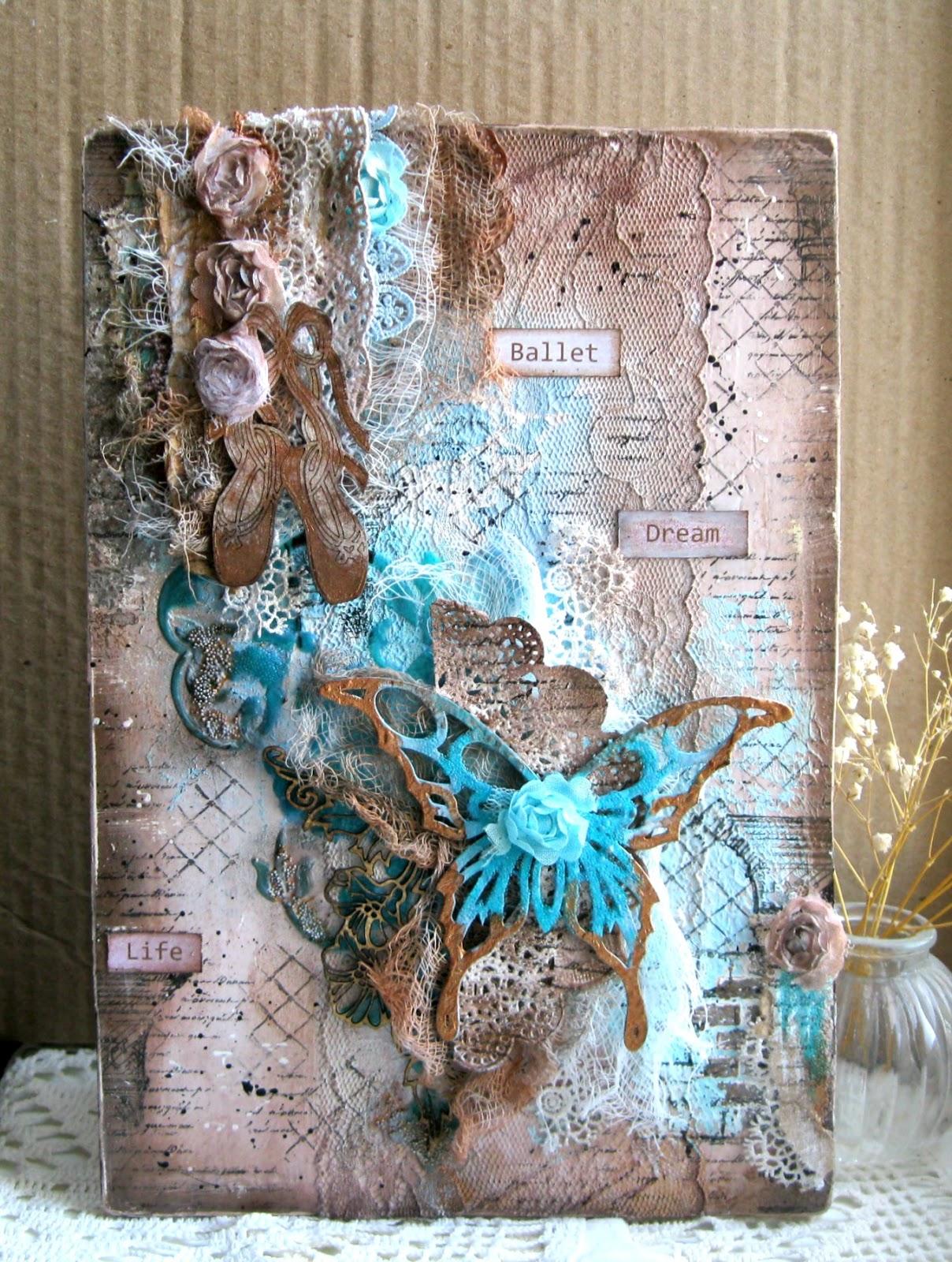 Панно декоративное из бумаги с бабочкой