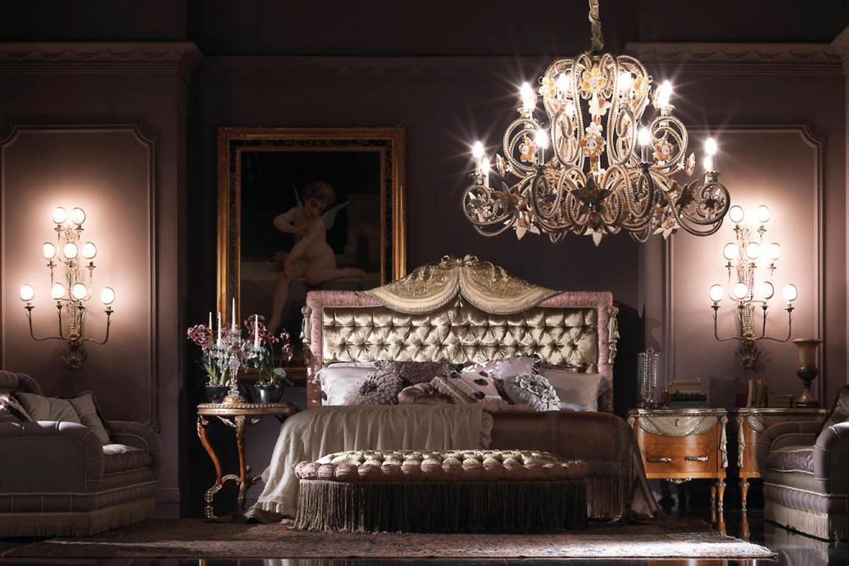 Люстра со свечами в стиле барокко