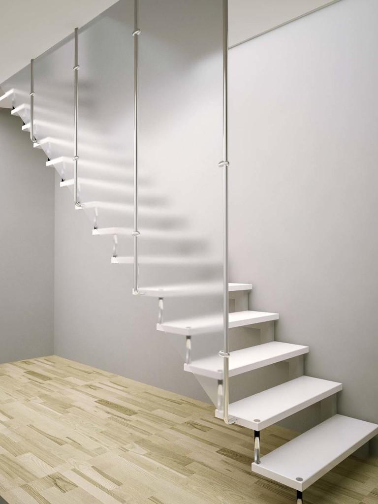Белая лестница на больцах
